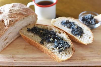 パンがますます美味しくなる♡はちみつ胡麻ペースト