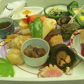 陶箱弁当・日本料理 保名(有田陶器市ランチ)