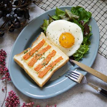 ご飯だけじゃない!パンにもおすすめ。組み合わせ最強!ヤミツキ!悪魔トースト存在【明太チーズバター 柄トースト】