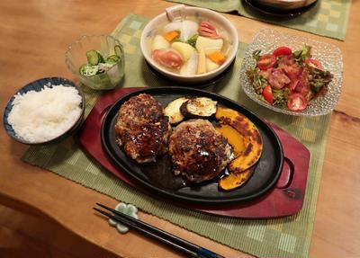 """肉!肉!しい!""""粗挽きハンバーグ""""&ポトフの晩ご飯 と 真っ赤な彼岸花♪"""