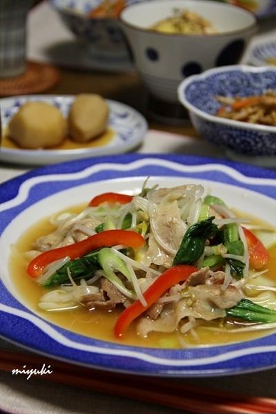 野菜たっぷり*豚肉ともやしの中華炒め。晩ごはん。