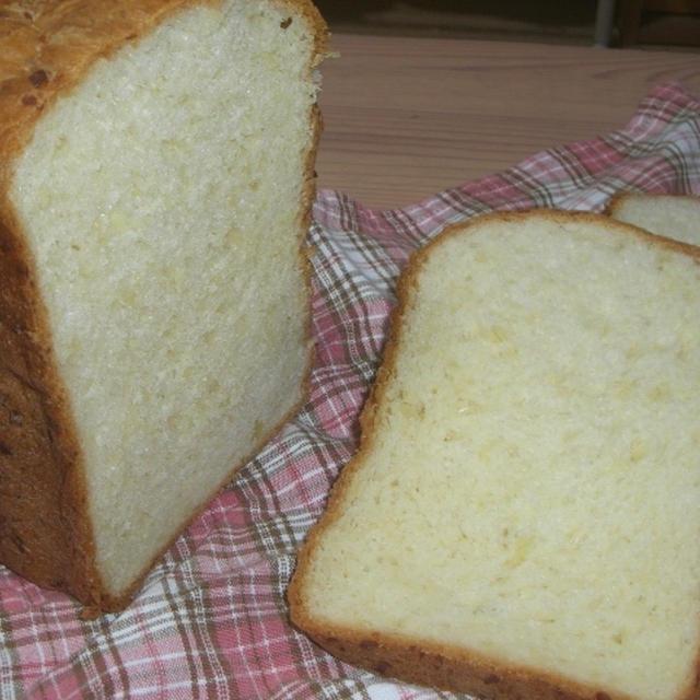 アーモンド入りデニッシュ食パン