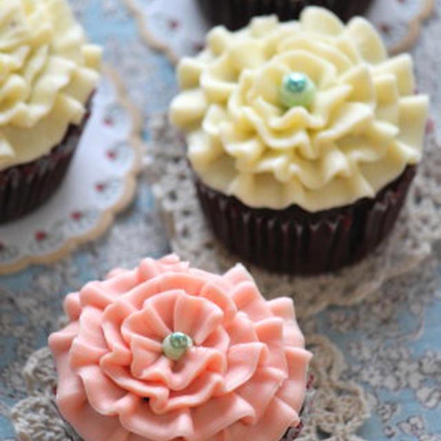 花咲くショコラカップケーキ