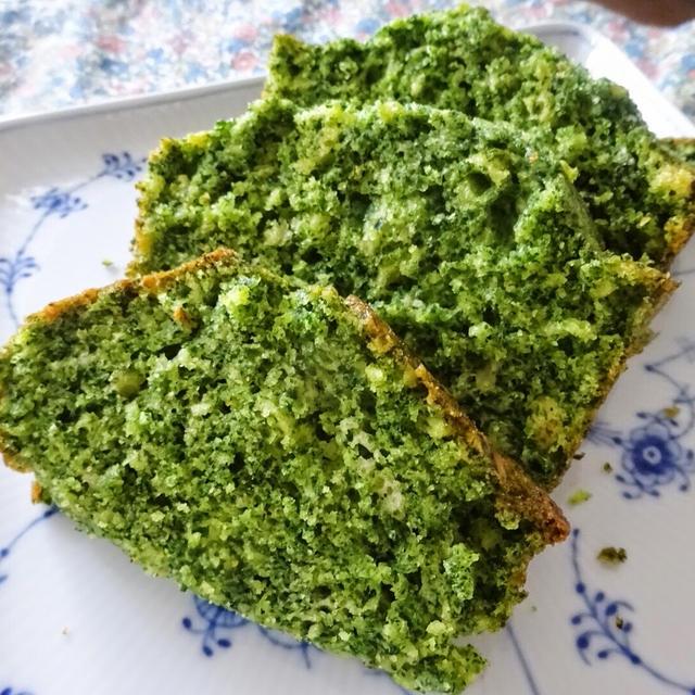 離乳食・幼児食にも!ホットケーキミックスで作る、たっぷりほうれん草のパウンドケーキ