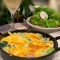 フードプロセッサーで簡単!!スキレットで小松菜と海老のグラタン~久しぶりのカンパーニュ by pentaさん