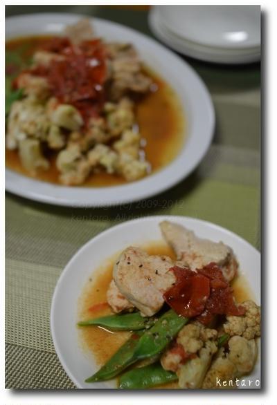 鶏肉と野菜のトマト煮 と イシモチのハーブ蒸し ガーリックオイルがけ