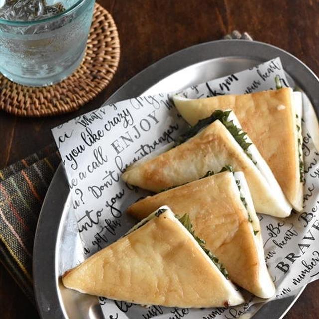 簡単おつまみ♡はんぺんの梅しそチーズサンドバターソテー