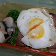 """お弁当のご飯に""""焼き豚たまご飯風"""""""