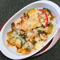 ベーコンと野菜のチーズ載せ焼き、タイとヤリイカの刺身盛り合わせ