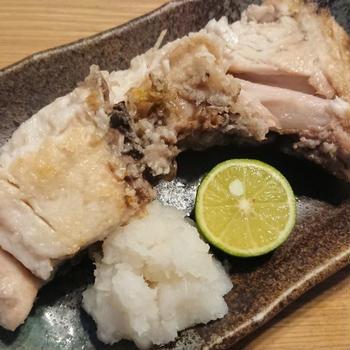 ガスコンロの魚焼きグリルで充分に美味しく焼ける、宮城の養殖ぶりカマ塩焼き