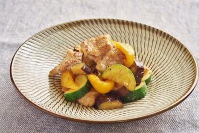 【レシピ】塩麹漬け豚バラ肉と夏野菜のレモン炒め