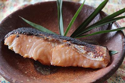 11月8日。しつこくモニター記事。鮭の粕漬け。