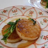牡蠣だし醤油の大根ステーキ