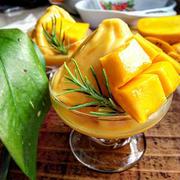 リラックスタイムに!「冷凍マンゴー」で作るひんやりスイーツ