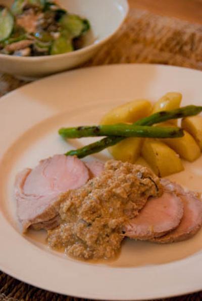 「ワインがすすむ」豚ロースのミルク煮混み、くるみソースと、おままごとキッチン
