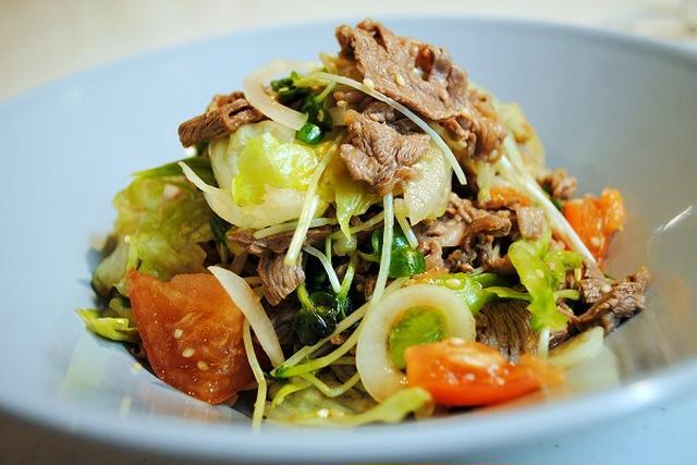 2.野菜と牛肉の冷しゃぶサラダ