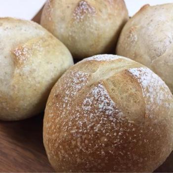 レーズン酵母全粒粉丸パン