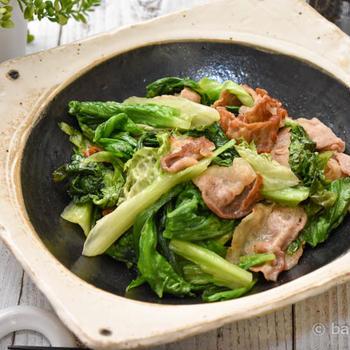 旬野菜のさっと簡単!グリーンリーフと豚バラの柚子胡椒炒め