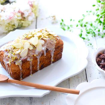 レーズンケーキとレーズン生食パン