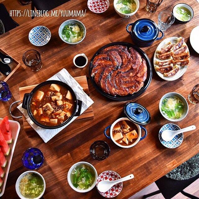 ニラ入り焼き餃子レシピ〜夜ご飯の食卓(麻婆豆腐・餃子・スープ)