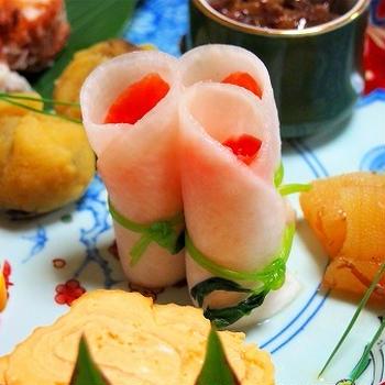 ささっと出来るお正月の2品♪ スモークサーモンと千枚漬けの門松  明太子とチーズのまさご竹