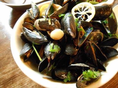 素材の味をいかした ムール貝の白ワイン蒸し