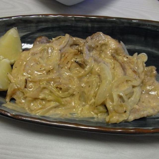 ポークソテー塩麹オニオンサワーソース・たこと枝豆の酸っぱ辛いマリネ