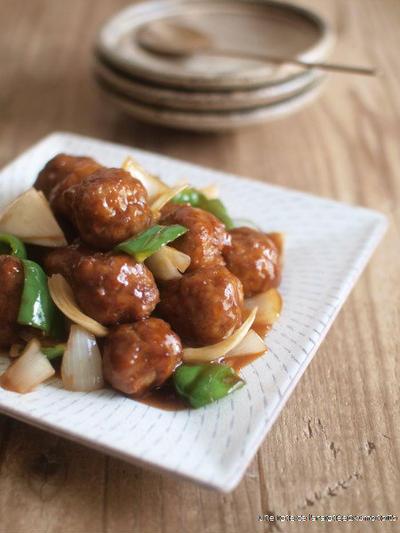 鎮江香醋肉団子。