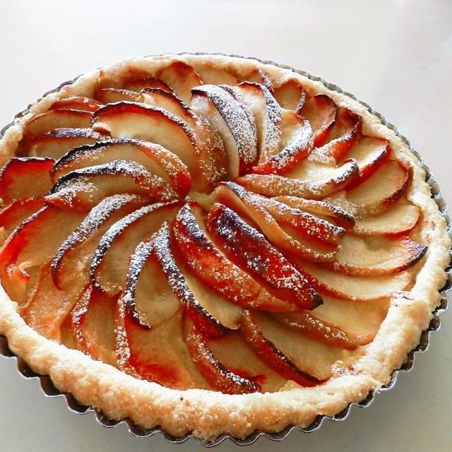 紅玉で作るアップルパイ