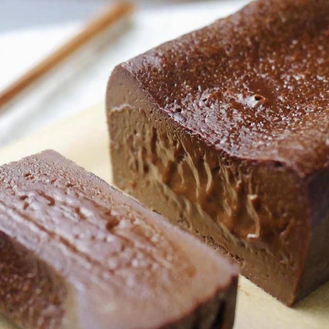 炊飯器でとろける濃厚チョコケーキ【ホットケーキミックスと板チョコで簡単】