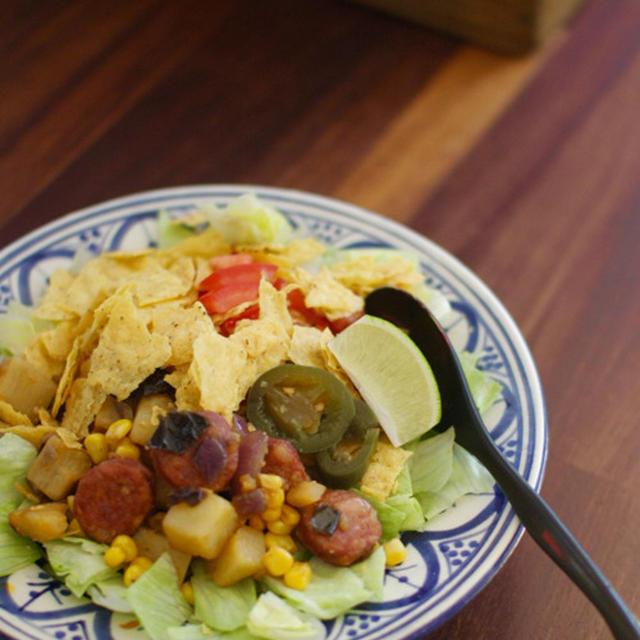 さつまいもとチョリソのタコサラダ