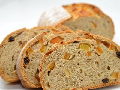 オレンジピール入りライ麦パンの作り方