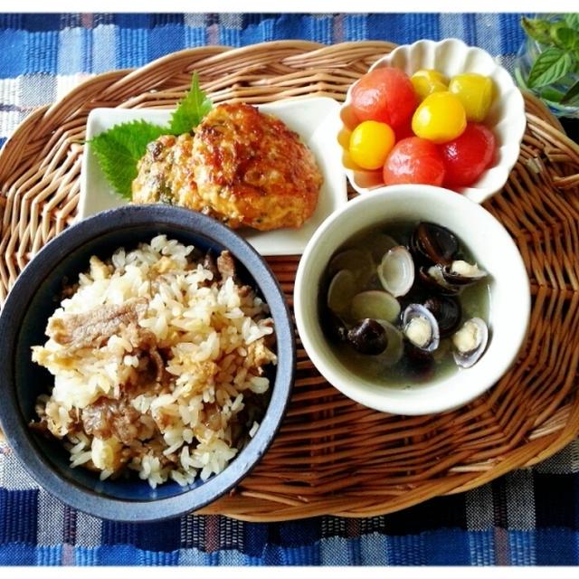 新米が美味しい~~季節♡牛肉の炊き込みご飯~~とつくねの和定食♡(*´з`)