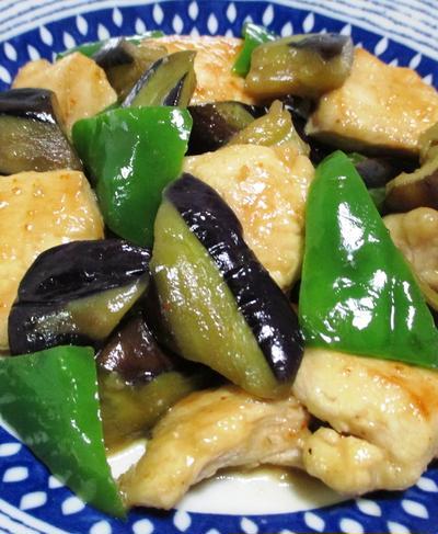 ナスと鶏むね肉のピリ辛炒め<一味の辛味をプラス>