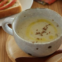 里芋と牛蒡のポタージュ。クミン風味