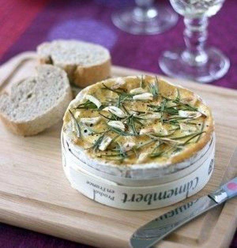 丸ごと使いで大満足!カマンベールチーズの絶品レシピ5選