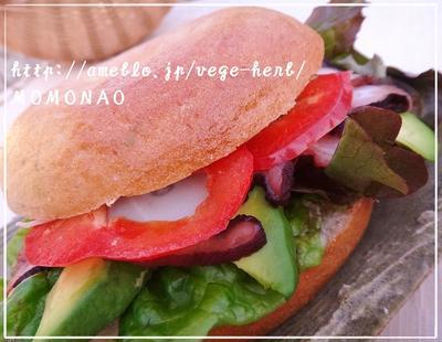 タコのベーグルサンドイッチ