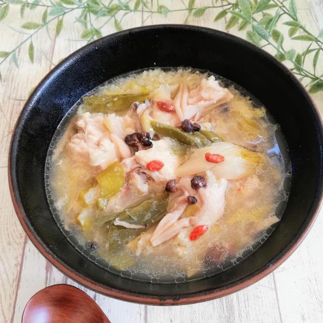 ♪炊飯器でとろっとろ!サムゲタン風スープ♪【#炊飯器#鶏手羽元】