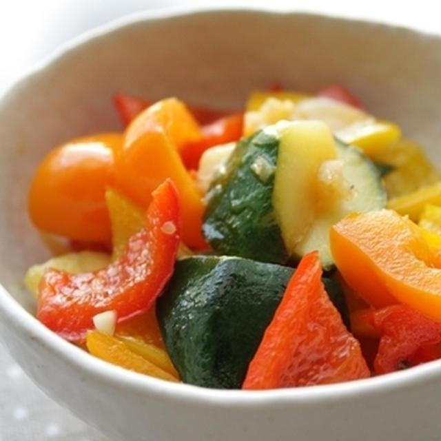 夏野菜のスイートガーリック炒め