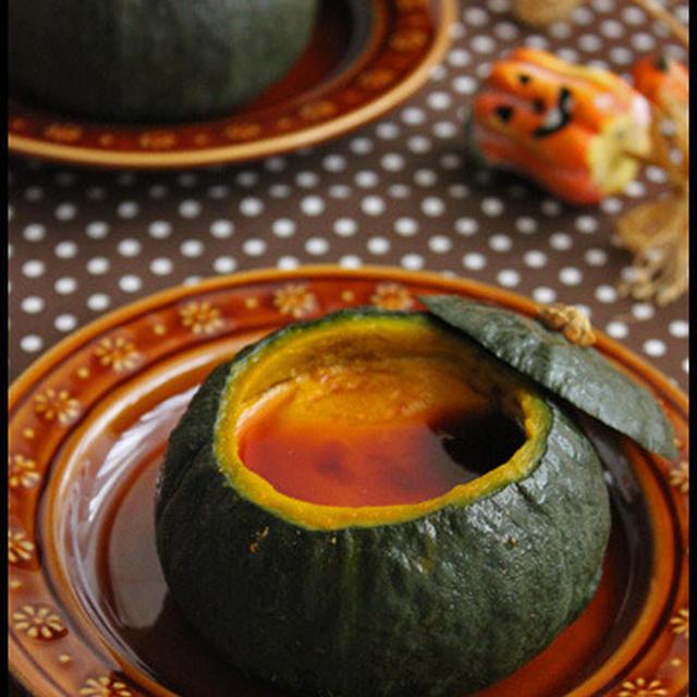 ハロウィンに♪レンジで簡単!坊ちゃんカボチャの丸ごとプリン