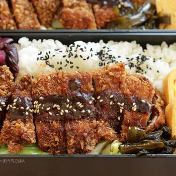 ローストンカツとわかめのめんつゆ炒め~食べざかり中学生のお弁当