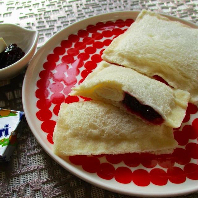 誰でも簡単♡ランチパック!ブルーベリー&クリームチーズ入り!