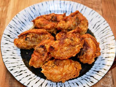 やっぱり骨付きが美味しい「骨付き肉のから揚げ」&「 マルちゃん正麺油そば」食べてみた