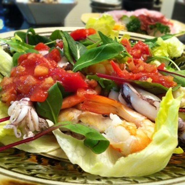 ソースを食べる!魚介のサルサソースサラダ