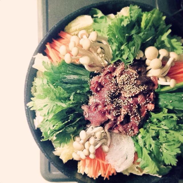 【 豆板醬とお味噌でピリ辛 すき焼き 】