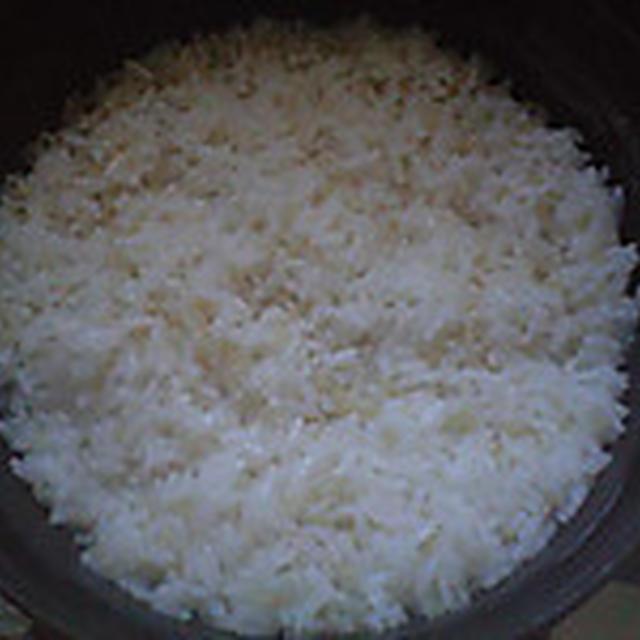 湯立てで白米(931)。。。北海道石狩平野雨竜町産特別栽培米ゆめぴりか・白米(あいざわ米店)と茨城県産うまかっぺコシヒカリ玄米・新米(あいざわ米店)