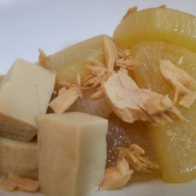 大根とツナと高野豆腐の煮物と白滝とひじきのキンピラ風