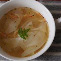 桜海老と大根、ワンタンの皮のスープ&ヨーグルトカシスカクテル