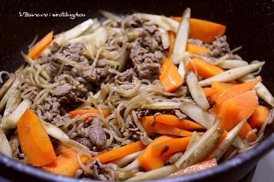 牛肉しらたきの、キンピラ煮
