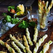 冷凍パイシートで簡単!お洒落!材料巻いてトースターで焼くだけ アボカド&レモンチーズパイ チーズストロー tapas  cheese straw
